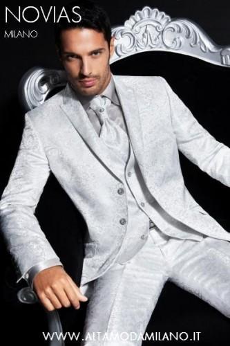 Milano moda sposo TIGHT e MEZZO TIGHT per la cerimonia uomo elegante ... 70fb0ecc9cd