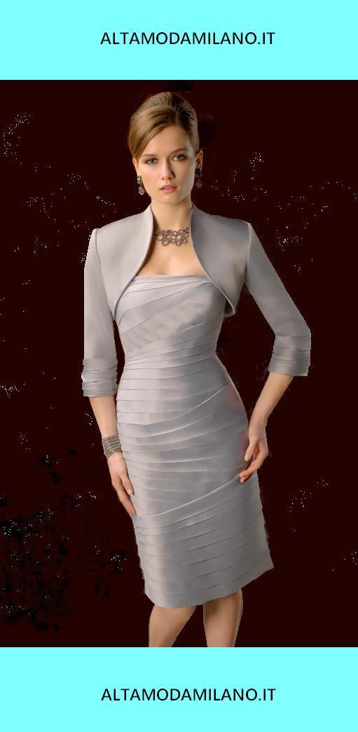 Mamma dello sposo giovane bella ed legante LOOK moderno e femminile senza  eccedere nello SITLE 94568e92172